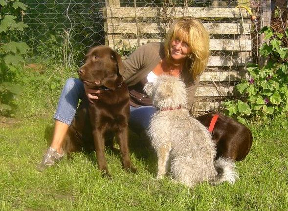 Andrea Jäkel mit ihren Hunden